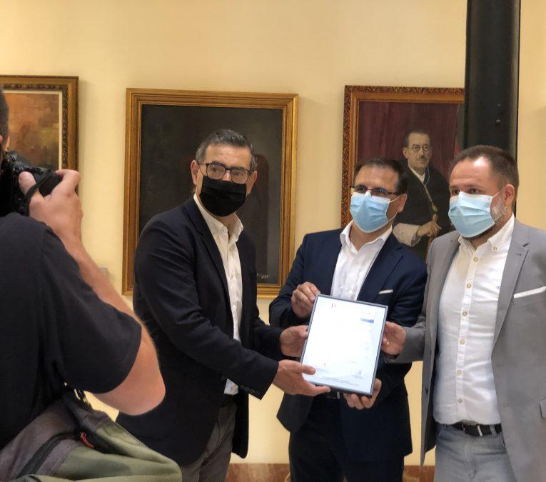 Acto de entrega del certificado del Esquema Nacional de Seguridad