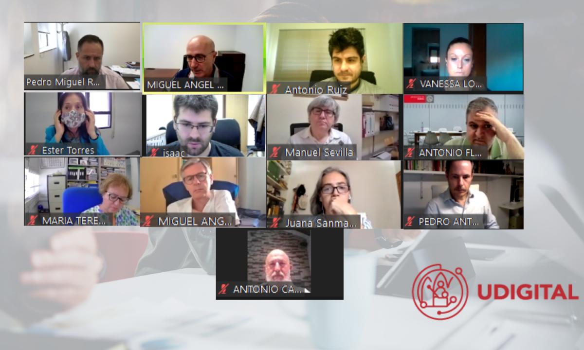imagen de la sesion de zoom con los miembros de la comision de transformación digital